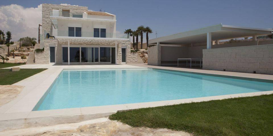 vasca rettangolare scala : Vasca rettangolare (Playa Grande, Ragusa)