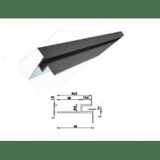 Profilo dritto senza battuta ed aletta posteriore allungata per cemento armato