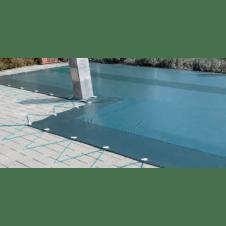 Copertura per piscina invernale, drenante e tesa con corda elastica